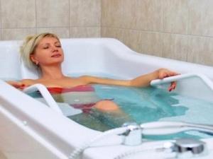 Чем полезны жемчужные ванны